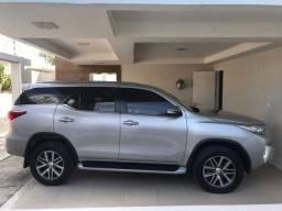 Toyota Hilux SW4 SRX 07 Lugares - Carro muito novo - 2016