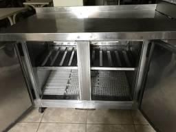 Balcão frigorífico com pista fria