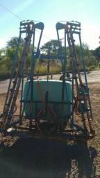 Barbada pulverizador com barras hidráulicas