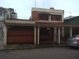 Casa de 2 Pavimentos na Aristides Lobo, px ao Shopping Boulevard (Reduto)