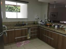 Linda residência com 3 quartos em condomínio na Chácara o Paraíso NF/RJ