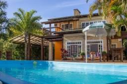 Casa com piscina em ibiraquera