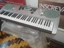 Vendo teclado. Michael. Kam 500