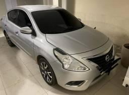 Nissan Versa Unique - 2016