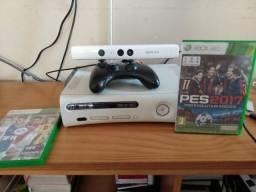 Xbox 360 usado + Kinect e dois jogos Pes e Fifa+ 2 controles + fonte