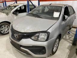 Sucata de Toyota Etios automático 2020 para peças