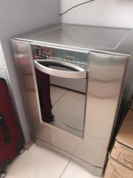 Máquina de lavar louça Electrolux 12 serviços inox seminova