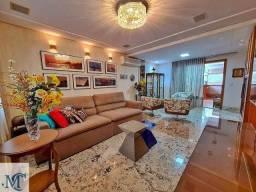 Casa duplex lindamente montada e decorada em Jardim Camburi!
