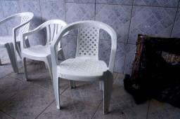 Cadeira em Plástico Branco 71 cm x 70 cm x 70 cm
