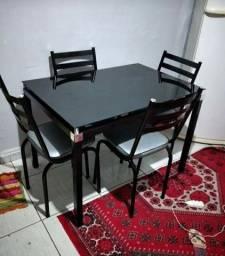 Mesa de janta diamante negro com 4 cadeiras  entrega e montagem imediata
