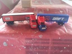 Caminhão de brincadeira