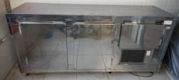 Balcão refrigerador de encosto