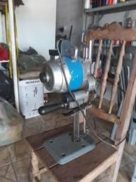 Maquina de corte industrial para tecidos