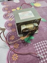 Transformador de alta 700u 120v microondas Electrolux mt030
