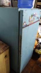 Geladeira para contrução ou casa no Rio