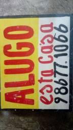 Alugo casa 400
