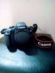 Câmera Digital EOS Rebel T100 + Lente EF 75-300mm
