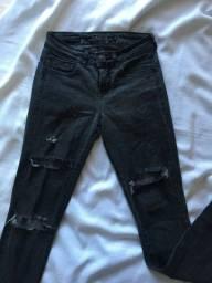 calça jeans preta rasgada da siberian