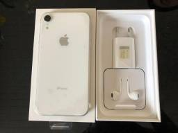IPhone XR branco 128GB