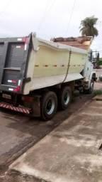 Caminhão muito - 2005