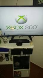 VendO XboX 360 - tudo fucionando Só falta o Controle TenhO Só 1 Controle