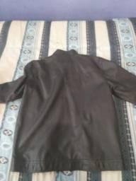 Vendo jaqueta de couro marca vgmong