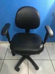 Cadeira Executiva Giratória - Escritório e Estudo