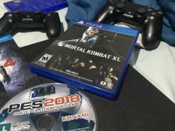 Playstation 4 mas 2 controles 4 jogos e hyperx headset