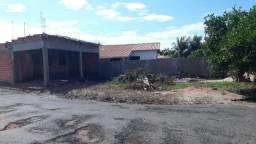 Vendo Terreno com construção em ponto de laje na praia de torres em Sales-SP