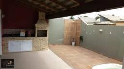 Casa contemporânea de alto padrão, com 03 quartos, fino acabamento, ambientes espaçosos