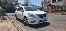 Nissan Versa unique 2017/18