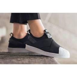 Tênis Slip-On Adidas lindo