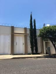 Casa Custódio pereira/ alto umuarama