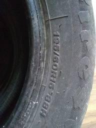 Vende-se 2 pneus