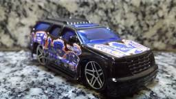 Hot Wheels Cadillac Escalade - Mattel # 2002