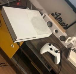 Título do anúncio: Xbox one S 1tb semi-novo