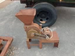 Triturador tocado no motor