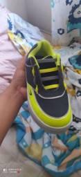 Vendo tênis de rodinhas