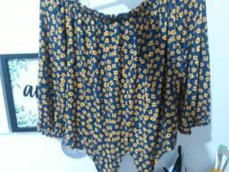 Blusa cropped de florzinha