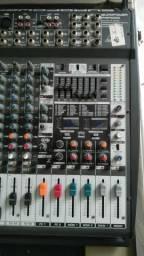 Mesa de som behringer PMP 5000