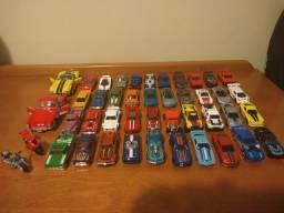 Lote 42 Miniaturas Hot Wheels 1/64 + 2 Kinsmart 1/32-34 Novas Não Lacradas