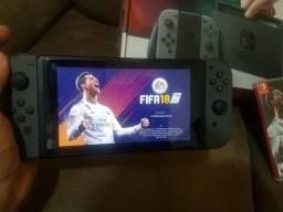 Nintendo Switch zerado + Fifa 18