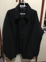 Jaqueta preta bem grande