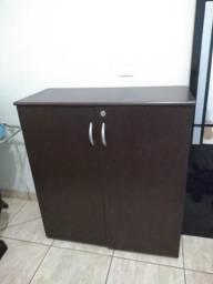 Vendo 2 armários de madeira p escritório no valor de 280.00 cada um