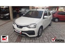 1. Toyota Etios Sedan X 1.5 2018 - Baixo KM - KG