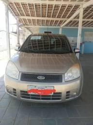 Ford Fiesta, emplacado, sem nada pra fazer - 2008