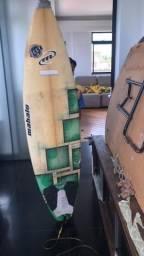 Prancha de surf semi-nova