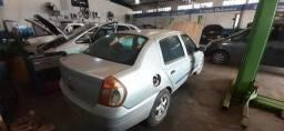 Clio 1.0 sedan - 2001