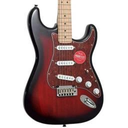 Guitarra Squier Standard Fender Nova