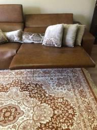 Sofá em couro, com acionamento de posições automatizado